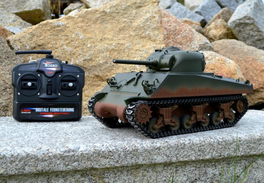 RC tank M4A3 Sherman - IR 2.4 GHz - Metal 90 % - věž 360°